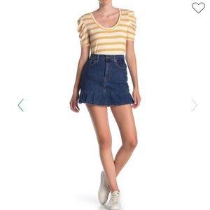 💫Levi's | Ruffle Mini Skirt